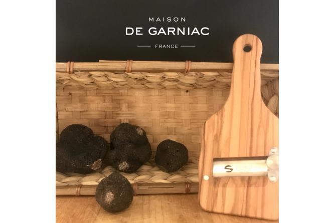Gourmet kit - Fresh black truffles and Olive wood truffle slicer